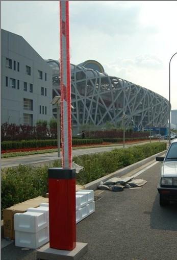 上海道闸厂家 停车场道闸  道闸图片
