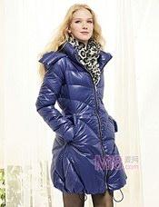 女式棉服,羽绒服看款或来样定做加工,订购