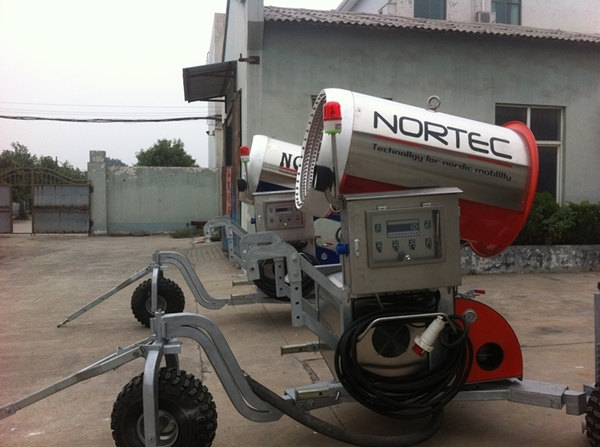 滑雪场专用设备诺泰克造雪机